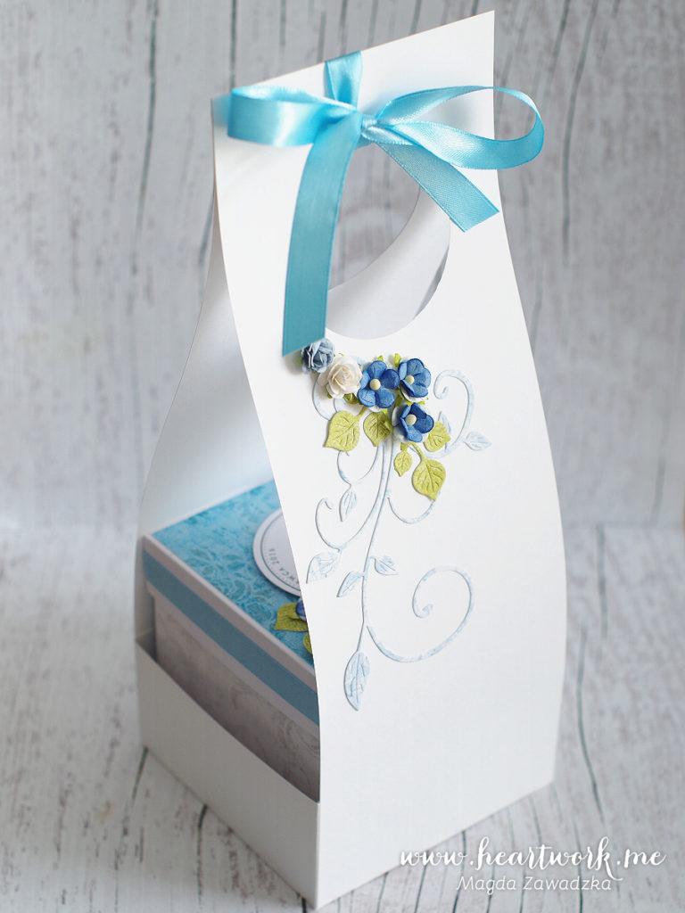 Ozdobna torebka na ułatwiająca wręczenie prezentu