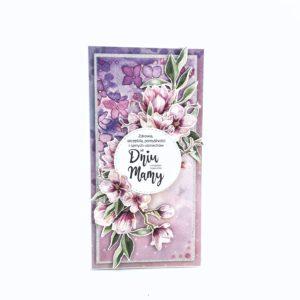 Ręcznie robiona kartka na Dzień Matki. Fioletowo-różowa kartka z motywem magnolii. Oryginalna kartka dla mamy.