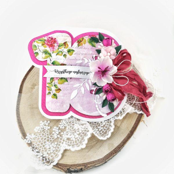 Kartka na osiemnastkę. Oryginalna kartka cyfra. Fuksjowa kartka z ręcznie robionymi kwiatami na osiemnastkę dziewczyny.